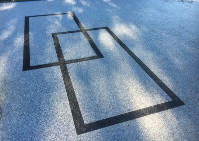 Dessin géometrique en granulat de marbre