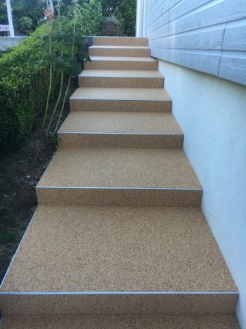 Escalier en granulat de marbre