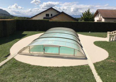 Tour de piscine en moqutte de pierre